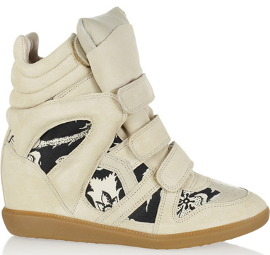 isabel_marant_signe_des_sneakers_exclusives_pour_net_a_porter_1556_north_382x