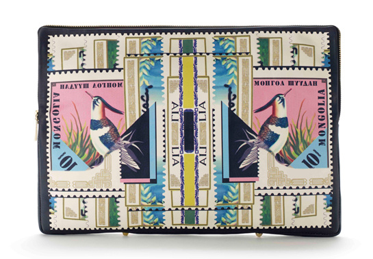 mary_katrantzou_pochettes_minaudi__res_timbres_767743845_north_545x