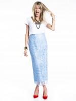 - Saia midi Martha Medeiros       - Scarpin tangerina Dior        - colar Lanvin       - braceletes Hermés e Cartier       - Brinco Dior