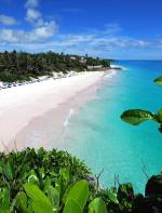 Crane Beach - Praia em Barbados, que vale não só para os casais mas também para quem quer conhecer um lugar diferente com um pouco mais de agitação. As águas extremamente azuis e reluzentes,  vegetação exuberante e muito burburinho!!