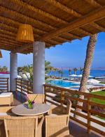 Na cidade você pode se hospedar no Hotel Paracas que tem uma localização privilegiada para os viajantes e também a facilidade de terem inúmeras excursões e aventuras.