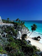 Tulum - Uma praia no México que fica localizada numa área historicamente importante da cultura maia. A areia clarinha e águas azuis cristalinas só tornam o lugar ainda mais especial.