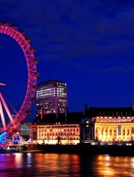 O ingresso de família (2 adultos e duas crianças) custa £118.00 na porta e £94.40 online. Você pode comprar os ingressos no site do EDF Energy London Eye. http://www.londoneye.com/TicketsAndPrices/Tickets/Default.aspx  Endereço: London SE1 7PB, Reino Unido +44 871 781 3000