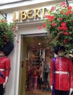 Acessórios como lenços e pashminas, jóias e bijoux, seção de beauty e o melhor: a loja de doces!!! Regent Street, London W1B 5AH