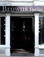 A loja é realmente incrível e tem uma seleção maravilhosa de peças…uma curadoria excelente! Ah, e não deixem de passar pela Browns Focus, a sub-marca mais edgy da Browns!