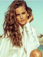 Izabel Goulart: Top Model, faz tratamento orgânico e multivitaminas sempre que vem para as temporadas de moda.