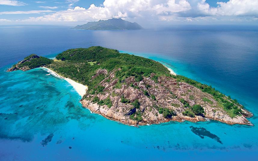north-island-seych_3046490a-xlarge