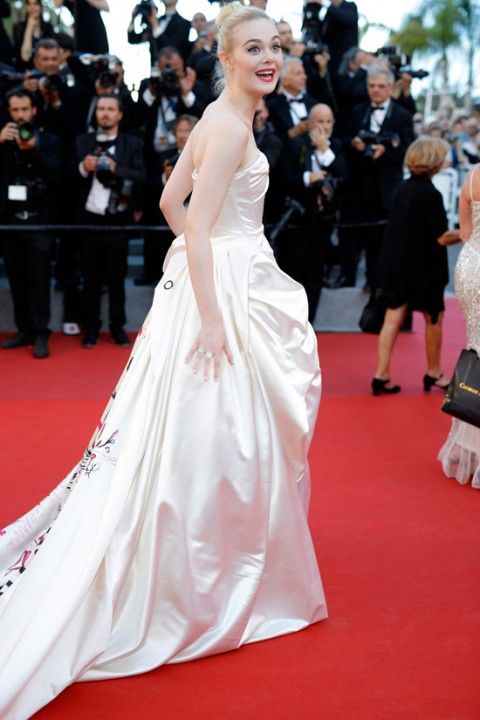 Elle-Fanning-2017-Cannes-Film-Festival-Opening-Gala-Red-Carpet-Fashion-Vivienne-Westwood-Couture-Tom-Lorenzo-Site-4