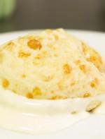 Pão de queijo com requeijão