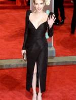 Emma Roberts de Schiaparelli